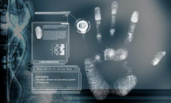 perito forense realizando un análisis de huella dactilar
